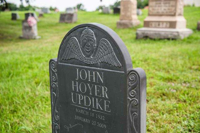 John_Updike.jpg