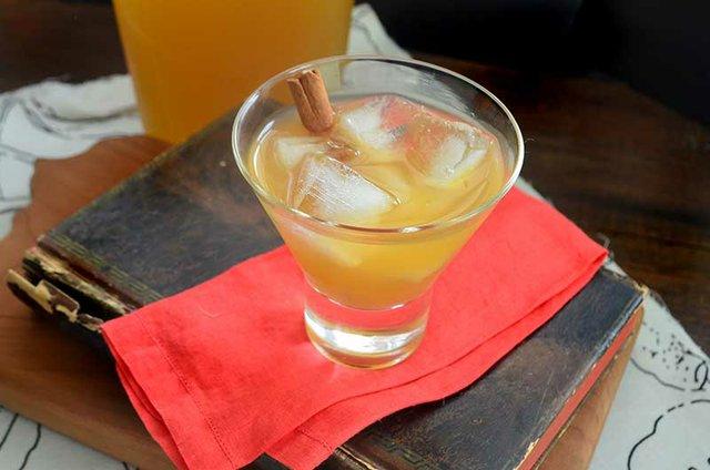 apple-cider-cocktail-1.jpg