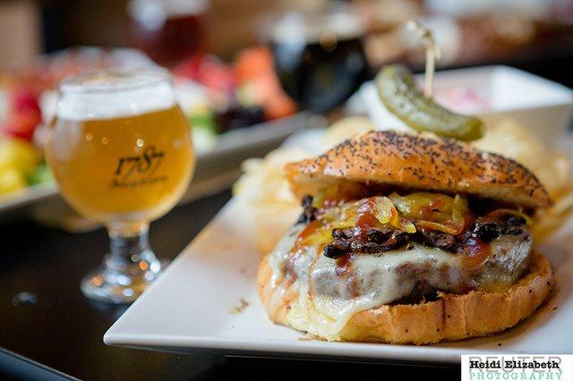1787-Special-Burger-IMG_6692.jpg