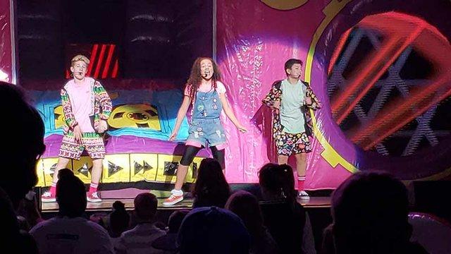 Performing_in_Minneapolis.jpg