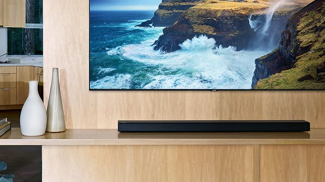 2019-Soundbar-HW-Q70R-Lifestyle-Gallery-Global-17-1-PC.jpg