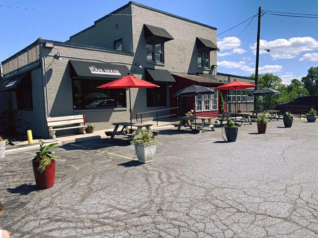 pourhouse american grille.jpg