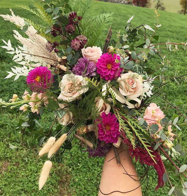 Buttonwood-Blooms-Bouquet.jpg