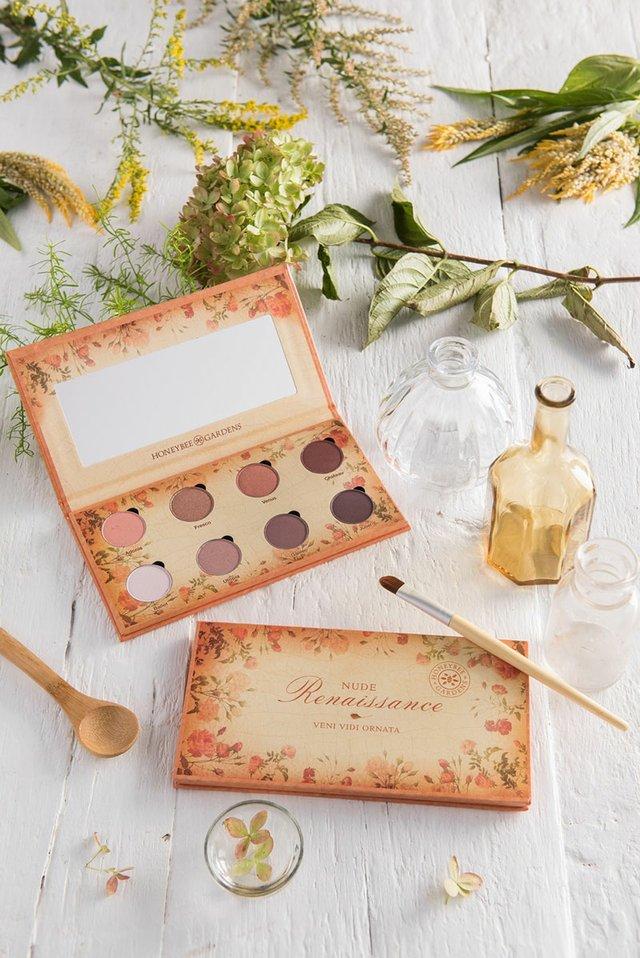 honeybee-gardens-eye-makeup.jpg