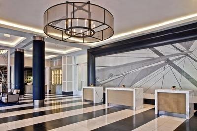 LA Lobby.jpg.jpe