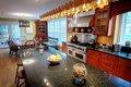 7050-kitchen3.jpg.jpe